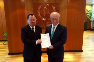 Ambassador Songsak Saicheua presented his credentials to Director General of IAEA