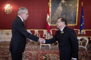 Ambassador Songsak Saicheua Presents the Letters of Credence  to the Federal President of the Republic of Austria