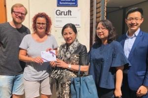The Royal Thai Embassy presents donation to the Caritas Foundation